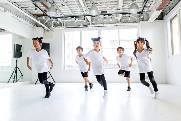 ダンス・スクール
