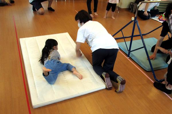 2021年6月の施設体験レポート「ふれあい親子体操」